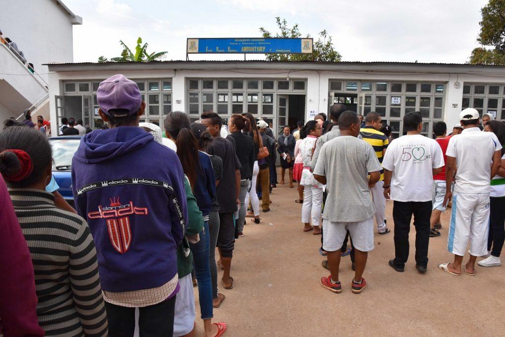 Un premier tour du scrutin présidentiel bien organisé et dans le calme Madagascar