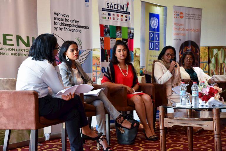 UNE JOURNÉE D'ÉCHANGES ET D'INFORMATION POUR LES CANDIDATES AUX LEGISLATIVES ET FEMMES LEADERS DE MADAGASCAR