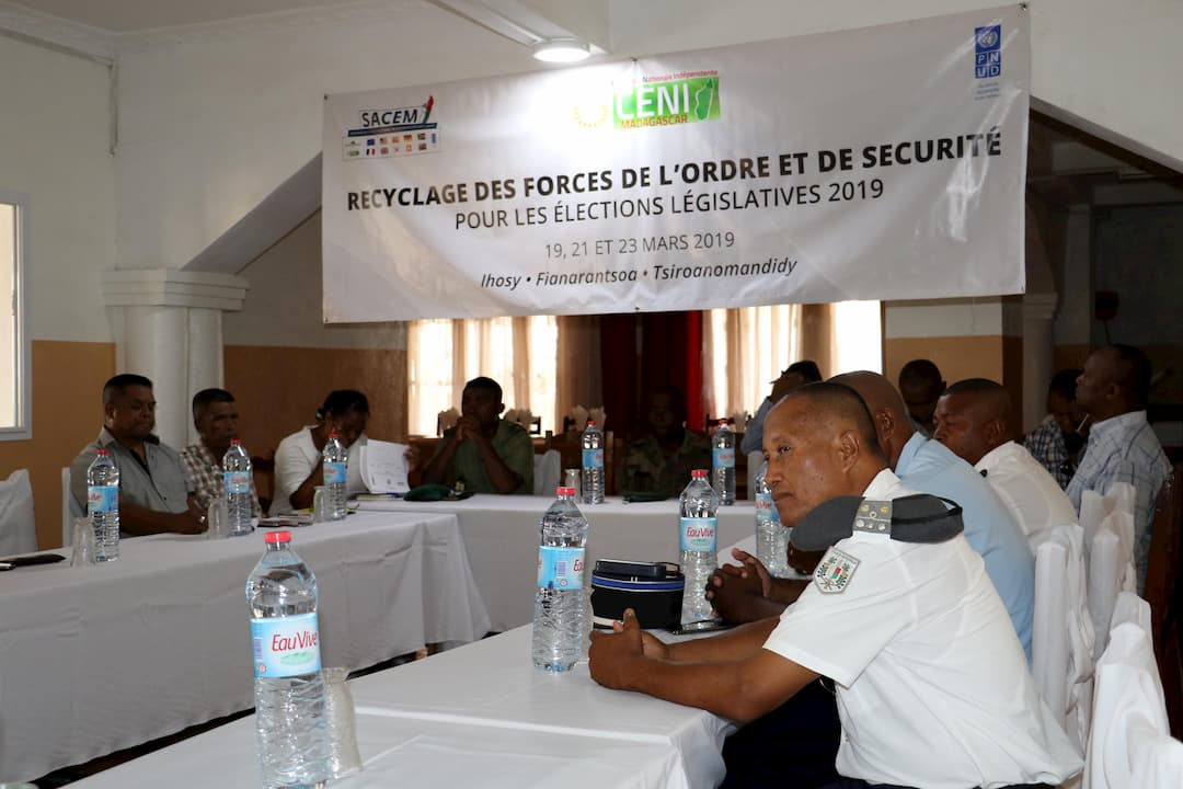 De nouvelles sessions de formation des forces de l'ordre et de sécurité pour le bon déroulement des élections législatives